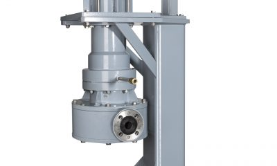 Visitors put chemical pump into operation • INDUSTRY24h